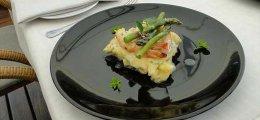 Merluza en salsa verde con langostinos